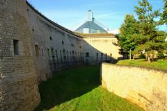 Chteau de pierres et chteau de verre - Stone vs glass castles (CGilles7) Tags: fort capitale luxembourg ville thungen drieechelen gilles7 generalmajorsimondebeauffe