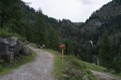 Van Cler naar Rifugio Dorigoni (Inklaar) Tags: park val di fujifilm rabbi bergen alpen sole trentino itali adamello nkbv peio stelvio x100 nationaal bsk bergsportkamp trentinozuidtirol inklaar:see=all ortlergroep