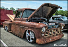 Custom Chevy Truck (Photos By Vic) Tags: old classic chevrolet truck vintage pickup chevy vehicle carshow stepside