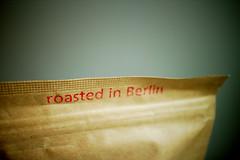 roasted in Berlin (kadluba) Tags: berlin kitchen coffee barn paper beans kaffee espresso bags kche papier roasted bohnen thebarn karatu packungen gerstet hunkute barnberlin