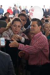 AR1_0956_ALFOSO REYES (Mi foto con el Presidente MX) Tags: presidente mxico mi foto carretera el julio con cuautla 2014 inauguracin mifoto chalco ixtapaluca enriquepeanieto peanieto epn presidencia20122018 distribuidorvialentronque