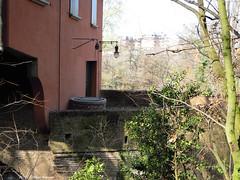 Canale di Reno - Casa di guardia e paraporto (Paolo Bonassin) Tags: italy lampioni channel channels emiliaromagna canali casalecchiodireno canaledireno