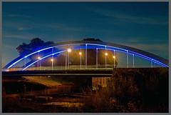 AH62_5767 (der_andyrandy) Tags: brcke nachtaufnahme blaulicht bremenburg nacht outdoor lesum fluss river
