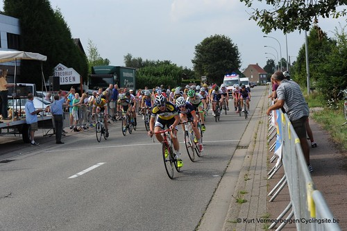 Juniores Geel Stelen  (437)