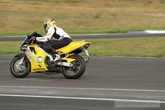 IMG_5705 (Holtsun napsut) Tags: ex drive sigma os apo moto motorcycle 70200 f28 dg rata kes motorrad traing piv eos7d ajoharjoittelu moottoripyoraorg