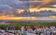 Stormy Sunset (timo_w2s) Tags: sunset storm clouds finland golden helsinki rays hdr cirrus vuosaari