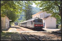 17-07-2014, Villefort, SNCF 567555 + Corail (Koen langs de baan) Tags: france station nikon diesel gare frankrijk bergen zuid cevennes villefort corail cevennen alsthom bb67000 d7000 bb67500 567555