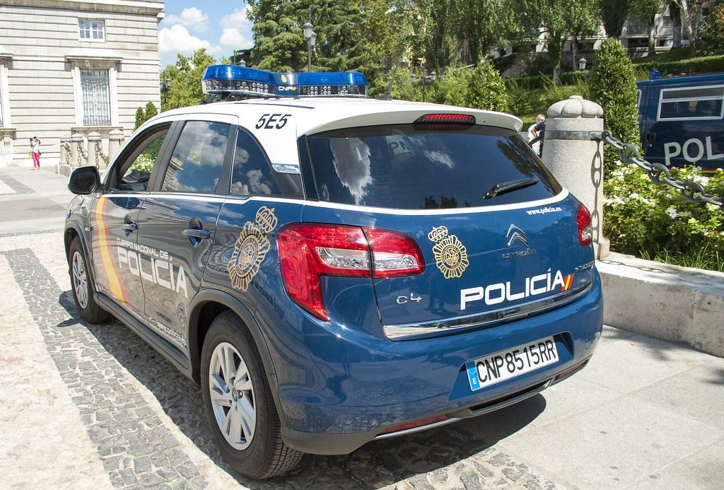 [Photos] Les citroen de la police - Page 2 15003375319_e6e910cf45_b