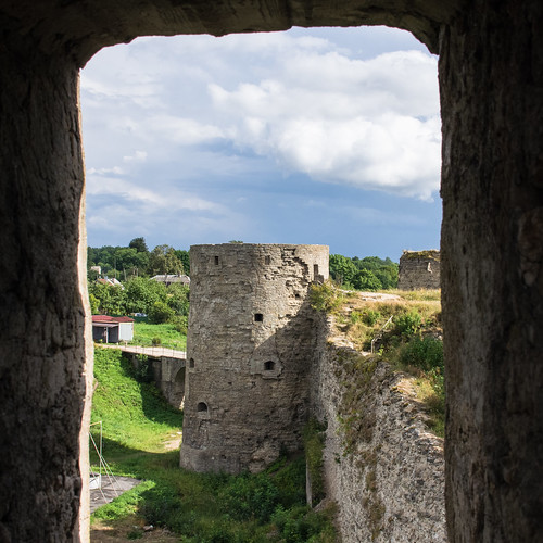 Koporye Fortress, the entrance