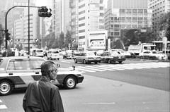 (-Hug-) Tags: street blackandwhite zine film japan analog 35mm tokyo shinjuku nikonfe2