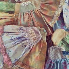 dolly dresses ready for Brighton #Dollymix #Blythe #bcuk #vintage #dress #doll