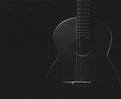 Guitarra Española (GOJR.) Tags: inexplore mamiyakl127mmf35 film analog nikonspeedlights rimlighting guitar lowlight strobe flash pocketwizard2 kodak125px mamiya127mmf35kl mamiyarb67pros 120 6x7