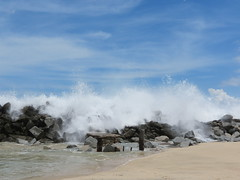 Cabo wave crashing (ihope88) Tags: ocean cabo wave oceanspray crashingwave waveexplosion