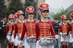 090515 (Sergey Khvastunov) Tags: portrait music woman girl smile rain group
