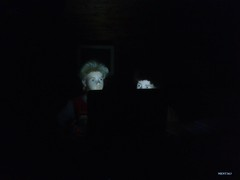 caught !!! / erwischt !!! (mknt367 (Panda)) Tags: night dark notebook pc mannequins 2014 schaufensterpuppen maxundmoritz