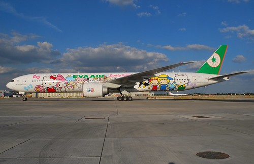 "B-16703 ""Hello Kitty""Heathrow by GULF550, on Flickr"