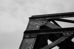 Bridge Top (Minolta 505si, AgfaPhoto APX 100) (baumbaTz) Tags: railroad bridge blackandwhite bw slr film monochrome analog germany deutschland iso100 blackwhite rust minolta atl bridges ishootfilm 150 m42 scanned apx100 april epson sw analogue dynax monochrom grayscale pentacon agfa rodinal schwarzweiss brücke rost apx analogphotography 505 2200 greyscale brücken 2014 oste 200mm niedersachsen lowersaxony filmphotography jobo fpp ilovefilm v500 505si adox adonal filmisnotdead autolab vuescan analoguephotography bremervörde minoltadynax505sisuper istillshootfilm bremervoerde filmforever pentacon200mm epsonv500 agfaphotoapx100 adoxadonal filmphotographyproject adofix believeinfilm blackandwhiteology joboautolabatl2200 20140419 ostebrücke