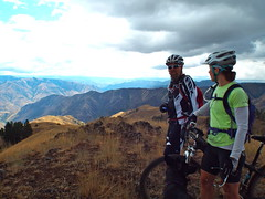 Waha FatBike Ride (Doug Goodenough) Tags: bike bicycle river scott jen ride fat 14 spokes salmon sadie august canyon bryce pedals aug pugsley surly waha 2014 fatbike drg53114 drg53114p drg53114pwahoverlook drg531ppugsley
