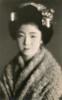 A Taishō Period Maiko 1910s (Blue Ruin 1) Tags: japan japanese postcard maiko geiko geisha softfocus shawl 1910s bijin japanesebeauty kanzashi hairornament apprenticegeisha taishoperiod slopingshoulders nadegata 撫で肩 撫肩