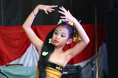 2014_08_24_4758_e1 (OZFreelance) Tags: dance independance indonesie noumea danceuse indonesienne