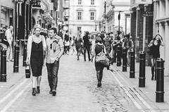 Street scene. (Jordi Corbilla Photography) Tags: street uk blackandwhite bw london blancoynegro nikon streetphotography 85mm streetphoto pretoebranco d7000 jordicorbilla jordicorbillaphotography