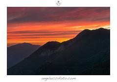 I colori di un magico tramonto (Simone Angelucci) Tags: red tramonto rosso lazio monti suset simbruini