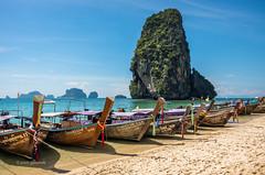 Phra Nang Beach (pietkagab) Tags: phranang railay raileh krabi thailand boats longtail sand beach rock sea andaman asia southeast travel trip holidays adventure sunny blue karst rockformation popular destination sightseeing