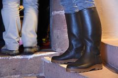 Visite en St Hubert (Wad Boots) Tags: rubber rubberboots wellies bottes caoutchouc château visite homme st hubert le chameau lechameau sainthubert chasseur fier wellingtons