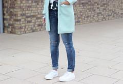 Outfit-white-platform-sneakers (www.shoutouttoyou.com) Tags: fashion outfit style sneakers jeans mango denim trend mintgreen offduty streetstyle whitesneakers platformsneakers highwaistedjeans leopardsweater fashionblogger howtowear waystowear sheinside loavies