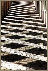 Licht und Schatten 1-1 (GhostOfDorian) Tags: deutschland licht und freiburg schatten breisgau badenwrttemberg arkade konzerthaus bertoldstrase