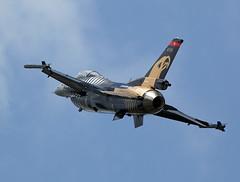 Solo Turk (Bernie Condon) Tags: tattoo plane turkey flying fighter display aircraft aviation military jet airshow f16 falcon turkish gd warplane ffd fairford riat airtattoo soloturk riat14