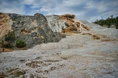 Beautiful mineral terraces at Mammoth Hot Springs in Yellowstone National Park (mharrsch) Tags: landscape unitedstates yellowstonenationalpark yellowstone wyoming geothermal hotsprings mammothhotsprings mharrsch mineralterrace
