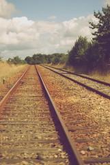 Via del tren en Normandia (Monica Fiuza) Tags: viaje carretera pueblo francia vacaciones intercochil viadetren