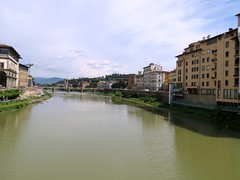 The Arno River and to the left the gate to Uffizi gallery and right in front Ponte alle Grazie (Linda DV) Tags: travel italy art architecture canon geotagged florence europe worldheritagesite tuscany historical firenze arno toscana padlock renaissance pontevecchio 2014 historicsite citytrip geomapped lindadevolder powershotsx40