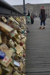 Paris 1663 (ma re photo) Tags: bridge paris love seine photography mare sam lock sony arts right des pont 1855mm alpha brcke schloss der dt mathew knste marephotography slta65v