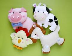 Bichinhos da fazenda (Meia Tigela flickr) Tags: galinha artesanato artesanal feltro decorao cavalo pintinho vaca bichinhos fazenda pinto vaquinha fazendinha feitoamo