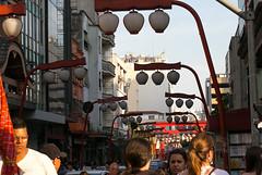 Bairro da Liberdade, So Paulo, Brasil (Luciano Marra) Tags: street people brasil sopaulo liberdade feira rua japonesa cultura nationalgeographic japonese mkiii canon5dmarkiii lucianomarra