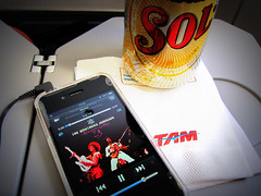 #TAM Airlines #A320 / #WindowView , #GIG to #GRU (Σταύρος) Tags: brazil vacation holiday sol apple latinamerica southamerica beer brasil plane airplane inflight cidademaravilhosa ubatuba aircraft cerveza jet brasilien airbus mobilephone windowview bier stomp birra rtw tam brasile airliner vacanze bière a320 brésil roundtheworld sudamerica ビール américadosul américalatina globetrotter cwrw southernhemisphere brazilië zonasul airbusa320 coldone amériquelatine strawberryletter23 16days 5f пиво 啤酒 américadelsur südamerika solbeer ブラジル worldtraveler tamairlines 南美洲 αεροπλάνο бразилия americadelsud μπύρα tamlinhasaéreas appleiphone iphone4 federativerepublicofbrazil riverofjanuary ประเทศบราซิล βραζιλία thebrothersjohnson strawberryletter backcamera republicofbrazil federativadobrasil ubhiya tamairlnies