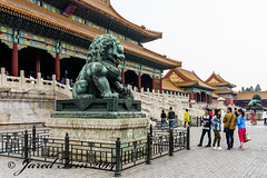 Taihemen Gate of Supreme Harmony (SewerDoc (2 million views)) Tags: statue museum ying beijing lion imperial forbiddencity malelion gate4 imperialpalacemuseum courtoftheimperialpalace taihemengateofsupremeharmony