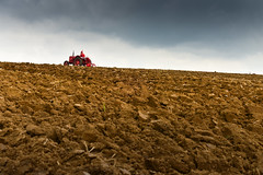 The ploughing match-31.jpg (Winniepix) Tags: county sports field sussex earth farm horizon country farming working southern match plow agriculture society share plough tender agricultural counties pursuits ploughing burwash bivelham espms