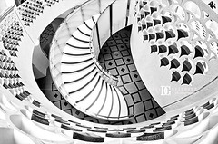 London Spiral Stairs (david gutierrez [ www.davidgutierrez.co.uk ]) Tags: city uk urban blackandwhite bw white london art monochrome architecture stairs spiral photography arquitectura artistic perspective architectural fisheye staircase architektur tatebritain davidgutierrez pentaxk5