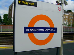 Kensington Olympia Overground roundel 03/06/14 (TheStanstedTrainspotter) Tags: train district tube railway piccadilly trains southern olympia londonunderground baronscourt s7 draytonpark class66 class317 class313 firstcapitalconnect class59 class377 class321 londonoverground d78 d78stock class378 batterylocos greateranglia