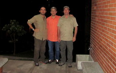 Diego, Juan & Tom after a great day - Medellin, C Andes (COLOMBIA Birding (Diego Calderon)) Tags: bird birds colombia birding aves pajaros trips tours endemic turismo birdwatching diegocalderon endemico neotropics endemics observaciondeaves colombiabirding birdwatchingtours wwwcolombiabirdingcom birdingtours endemicos