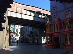 Diagon Alley & Hogsmeade at Universal Orlando & the WWoHP (Fiction_Alley) Tags: alley harrypotter universal universalorlando diagonalley diagon wwohp thewizardingworldofharrypotterdiagonalley