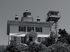 Yaquina Bay Light (sealrocker) Tags: bw lighthouse monochrome architecture oregon coast pacific northwest historic haunted newport yaquina
