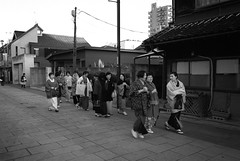 What is a group of traditionally dressed older ladies called? (The 10 Thousand Things) Tags: street bw minolta kodak iso400 trix group 400tx kimono kawagoe xd7 trix400 28mm28 mcwrokkor