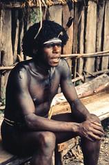 Irian Jaya 1986 - Dani man (sharko333) Tags: voyage travel portrait people man analog indonesia asia asien dani asie tribe 1986 indonesien reise baliem indonesi koteka irianjaya papuabarat