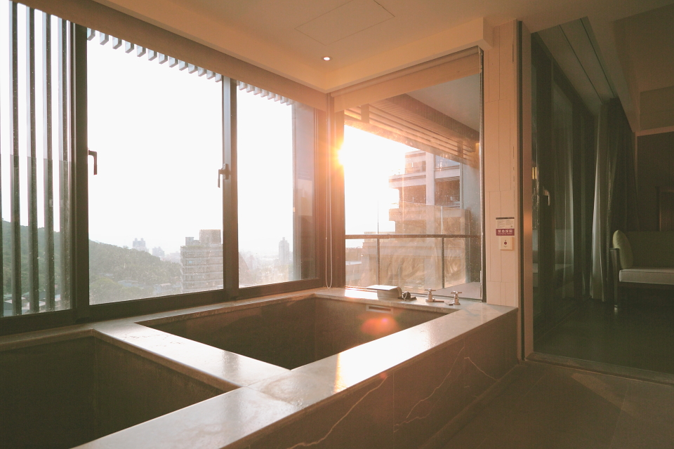 bath014.JPG
