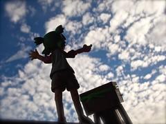 Touch The Sky!  (Damien Saint-) Tags: dark toy japanese amazon lego von vinyl batman stormtrooper pepsi simpson fireball yotsuba flgel vador danbo drossel calbee amazoncojp minifigures revoltech danboard figma