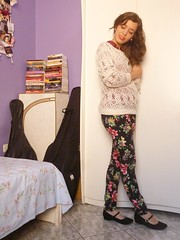 P1210445 (SuzanaSantos97) Tags: floral dark looks estampa calça sweter suéter